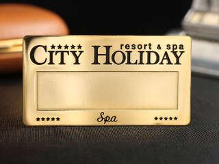 """Бейдж """"City Holiday"""""""