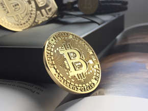 Personalized bitcoin gold coin